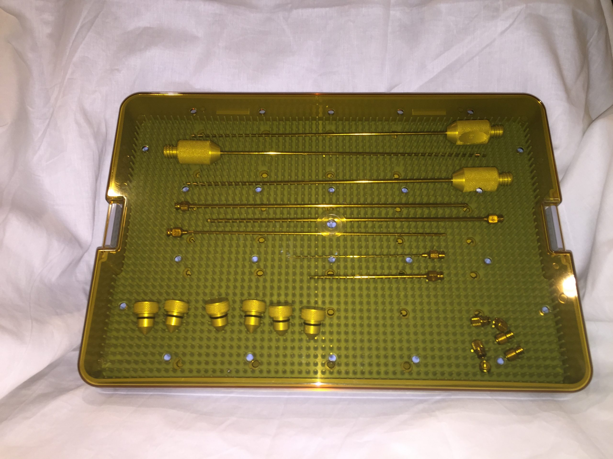 Sterilization tray with lid